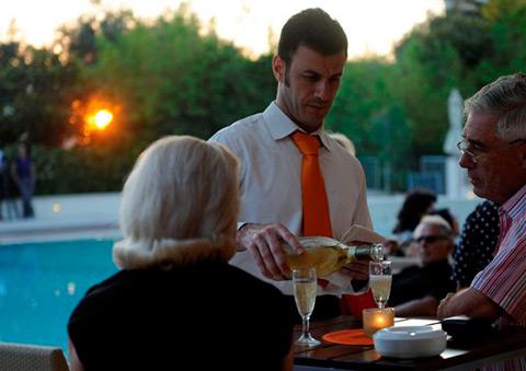 Orangerie poolside bar e restaurant